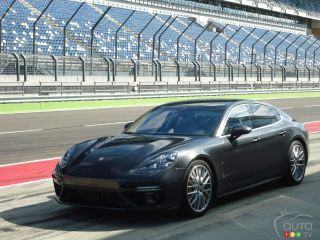 2017 Porsche Panamera Turbo pictures