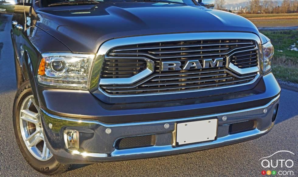 2017 ram 1500 ecodiesel crew cab laramie limited 4x4 pictures auto123. Black Bedroom Furniture Sets. Home Design Ideas