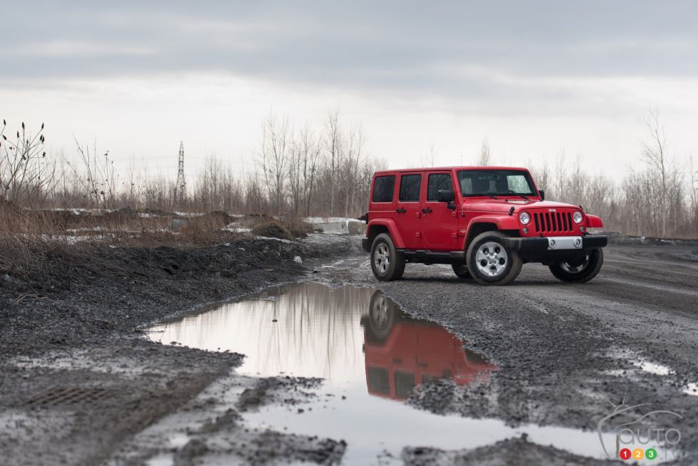 2015 Jeep Wrangler Unlimited Sahara Pictures Auto123