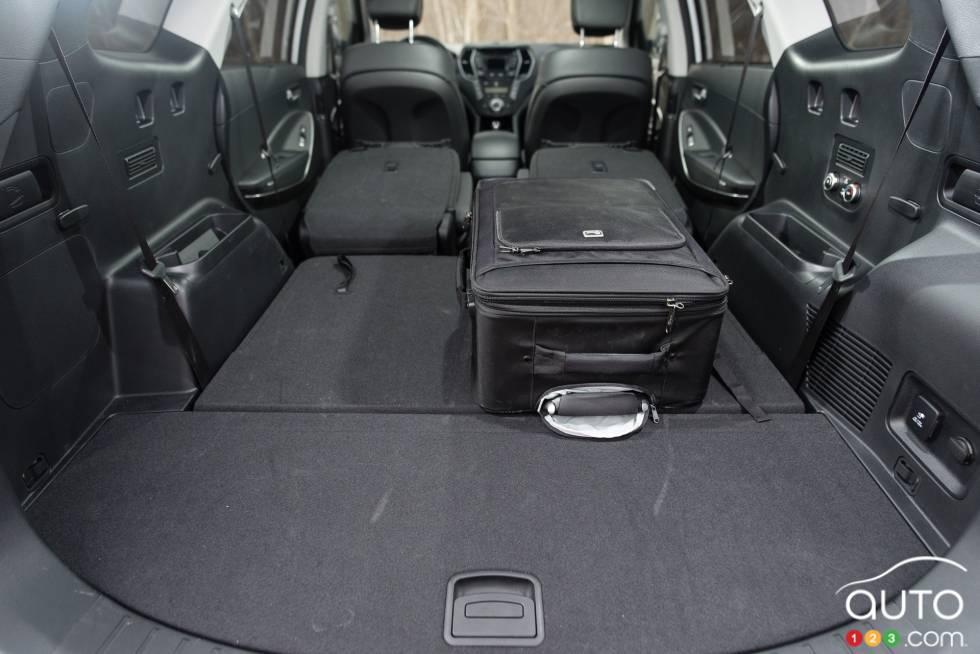 photos de la hyundai santa fe xl awd 2015 auto123. Black Bedroom Furniture Sets. Home Design Ideas