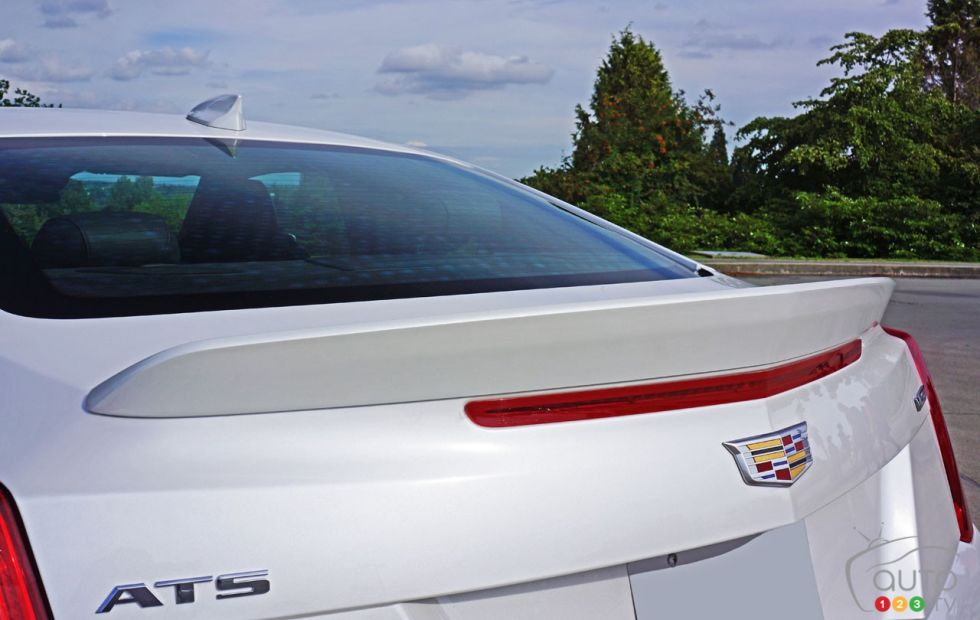 2016 Cadillac Ats V Coupe Pictures Auto123