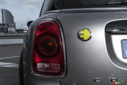 Electric logo of the Mini Countryman e