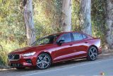2019 Volvo S60 and V60 pictures